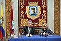 Carmena entrega la Llave de Oro de la ciudad al presidente de Ecuador 04.jpg