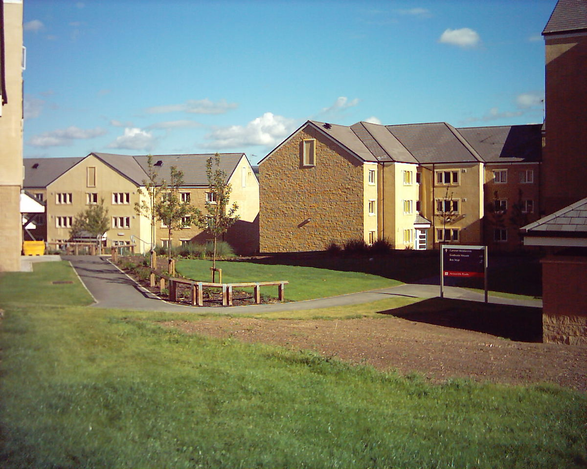 1200px-Cartmel_College_Lancaster.jpg