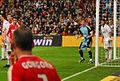 Casillas ante el corner (5164826465).jpg