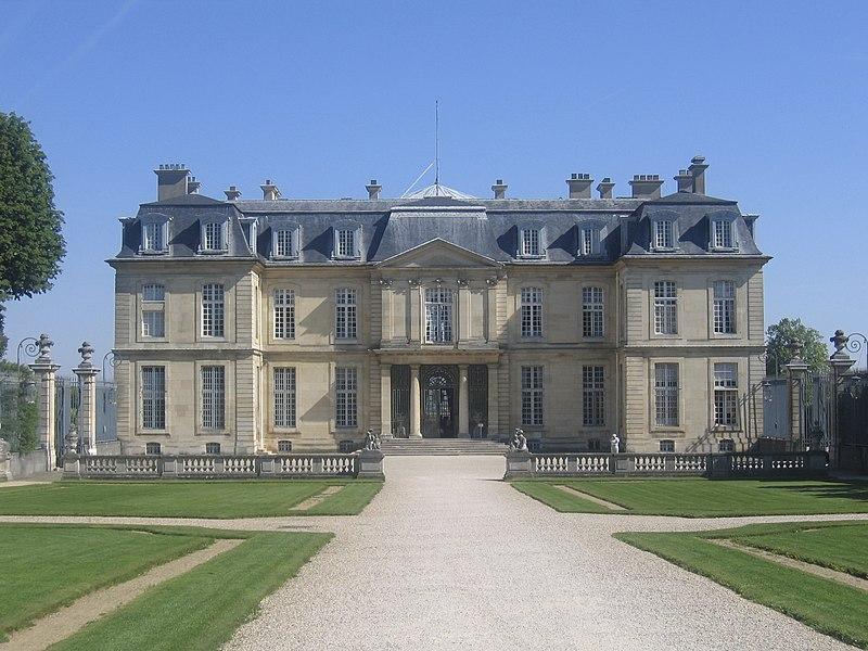 Fichier:Château de Champs-sur-Marne, France.jpg