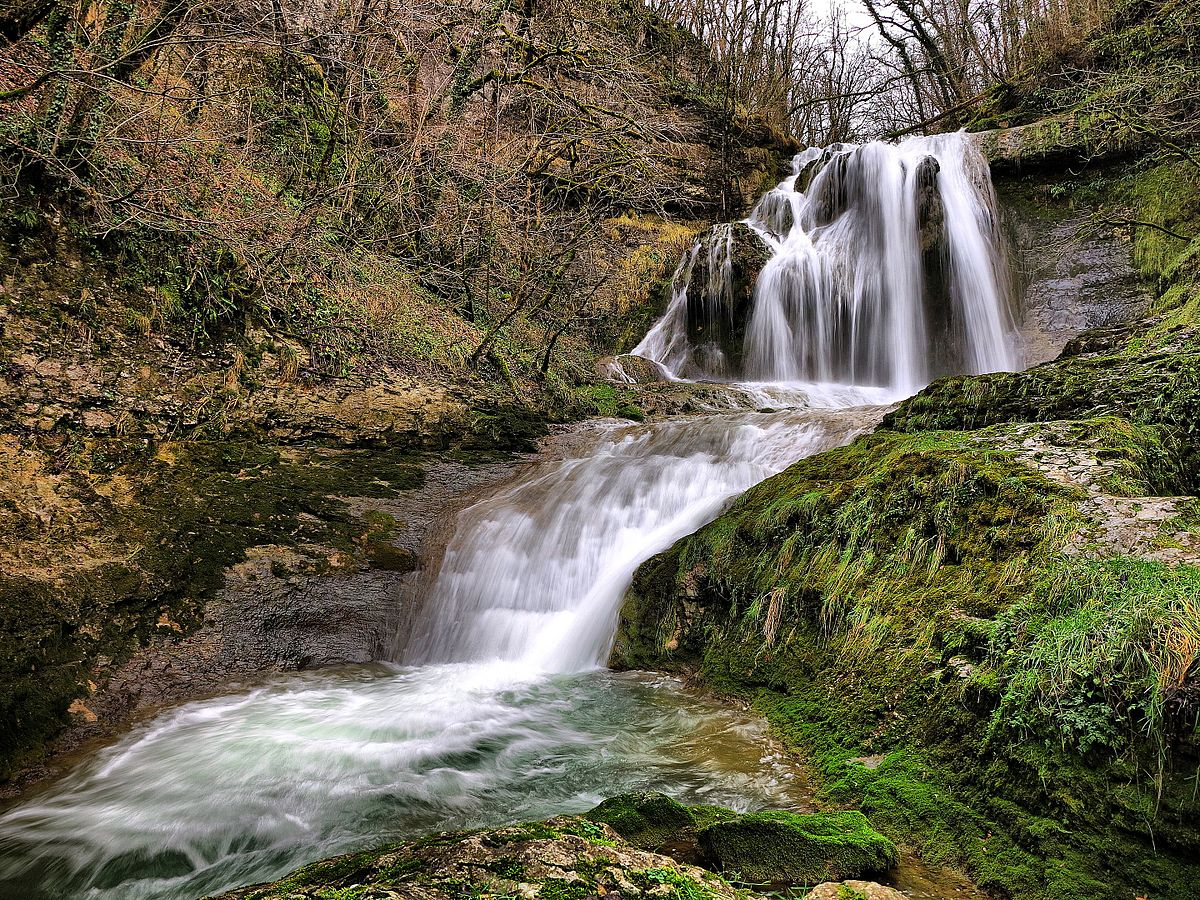 Comment raliser une cascade d eau interesting bchez le - Cascade d eau de jardin ...