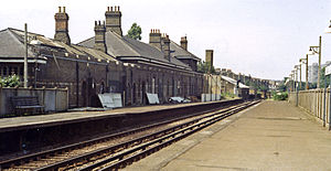 Clapham High Street railway station - The station in 1984 with fencing being erected between the platform and former station building