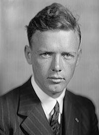 Resultado de imagem para aviador norte-americano Lindbergh