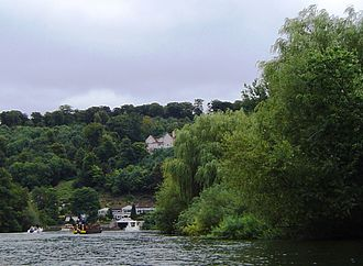 Cookham Lock - Wooded hillsides by the river
