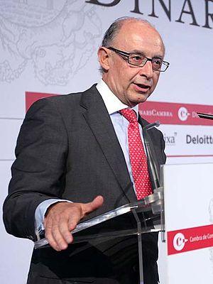 Ministry of the Treasury and Public Function (Spain) - Image: Cristóbal Montoro, Coordinador d Economia del Partit Popular, als Dinars Cambra, 17 doctubre de 2011 (2)