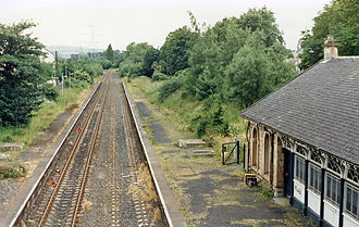 Crookston railway station - The station in July 1986 after closure