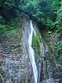 Dagomys - vodopad v lesu.jpg