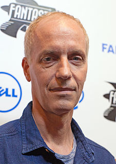 Dan Gilroy screenwriter, musician, and film director from the United States