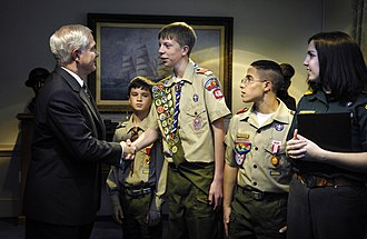 Boy Scouts of America - Robert Gates meeting with a Cub Scout, Eagle Scout, Heroism Award recipient, and Venturer during the 2007 Report to the Nation