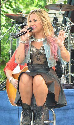 Demi Lovato GMA 2012.jpg
