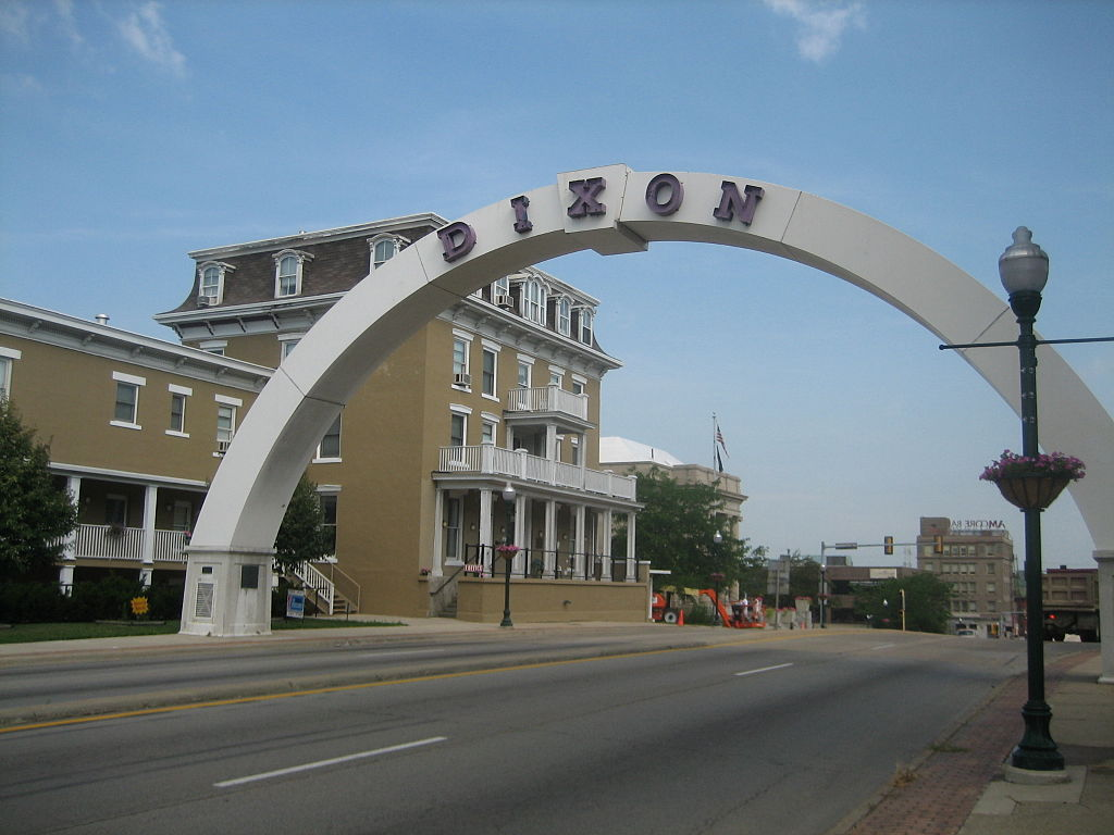 Dixon (IL) United States  city photos gallery : Nachusa House, Dixon, Illinois, United States. U.S. National Register ...