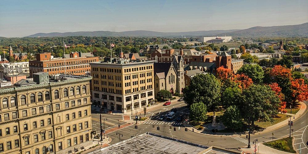 The population density of Pittsfield in Massachusetts is 406.77 people per square kilometer (1053.63 / sq mi)