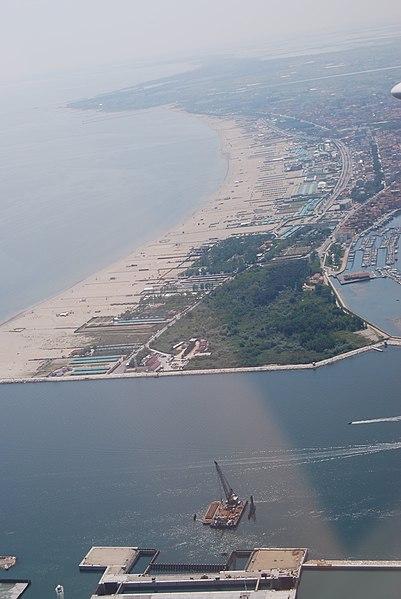 File:Dsc 1172 Sottomarina.jpg