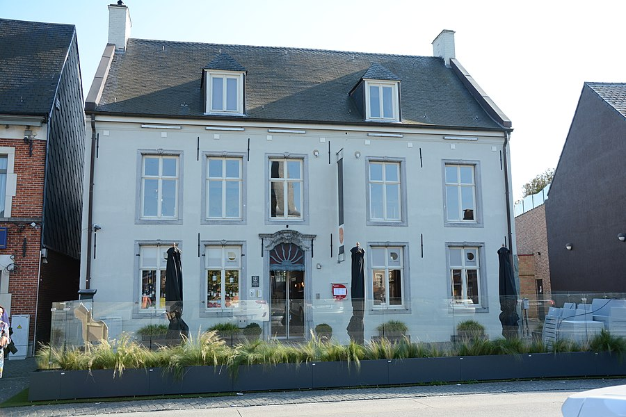 Dubbelhuis, Markt 9, Sint-Kwintens-Lennik