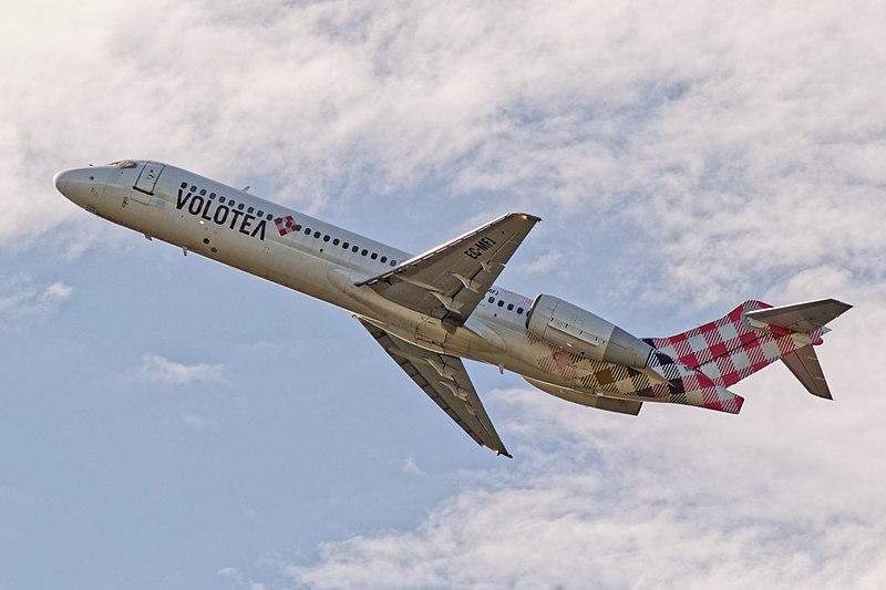 File:EC-MFJ - Boeing 717 Volotea (40963909042).jpg