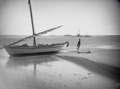 ETH-BIB-Fischerboot an einem Strand in Westafrika-Tschadseeflug 1930-31-LBS MH02-08-0997.tif