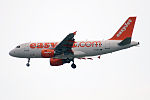 EasyJet, G-EZFL, Airbus A319-111 (16269296440).jpg