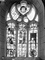 Eglise Saint-Georges ou Saint-Jeanvrin - Vitrail du choeur - Crucifixion, Ange, Donateur et Tête du Christ couronnée d'épines - Saint-Jeanvrin - Médiathèque de l'architecture et du patrimoine - APMH00021703.jpg