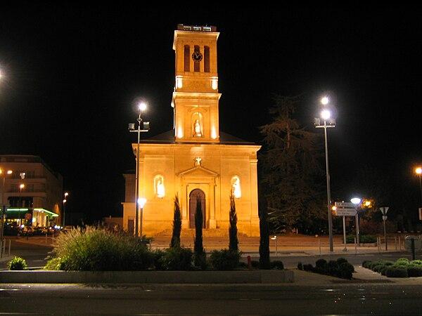 Église Notre-Dame illuminée.
