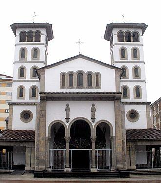 San Martín del Rey Aurelio - Image: El Entrego (San Martín del Rey Aurelio) Iglesia de San Andres 00