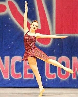 Ellie Darcey-Alden - Darcey-Alden dances in the KAR 2015 dance competition