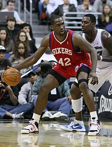 Elton Brand signed for five years with the Sixers in 2008 a27970652