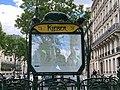 Entrée Station Métro Kléber Paris 4.jpg