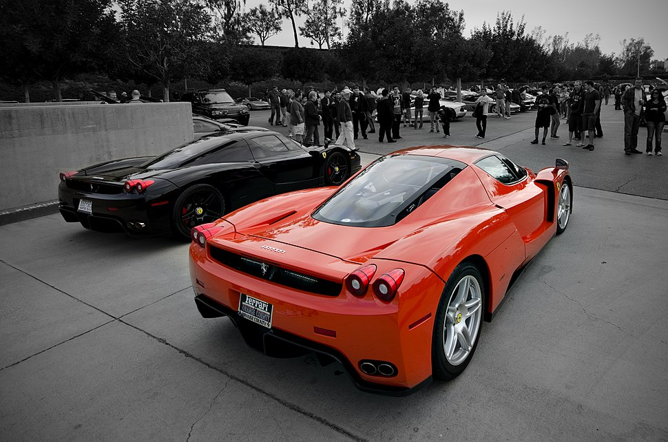 Enzo Ferrari x 2 (7262861958)