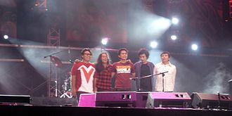 """Eraserheads - Eraserheads (with Jazz Nicolas of Itchyworms) in """"The Final Sets"""" concert."""