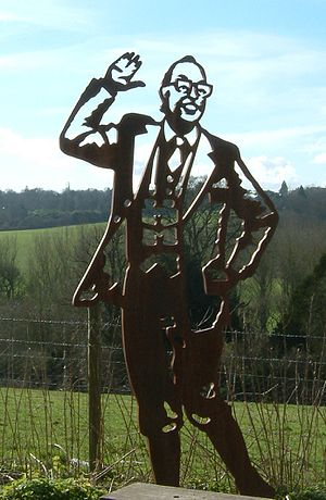 Eric Morecambe - Sculpture of Eric Morecambe, Upper Lea Valley Walk between Harpenden and Luton, England