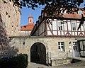 Eschweger Landgrafenschloss - vom Schlossgarten aus - Schlossplatz - panoramio.jpg