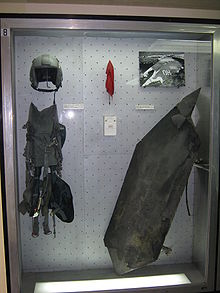 Guerre du Kosovo 220px-F16_equipment_and_F117_fragments