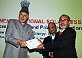 Farooq Abdullah presented the Cash Prizes to the best performing Regional Rural Banks and Certificates for extending loans for SPV home lighting systems during 2009-10, at a function, in New Delhi on February 14, 2011 (1).jpg