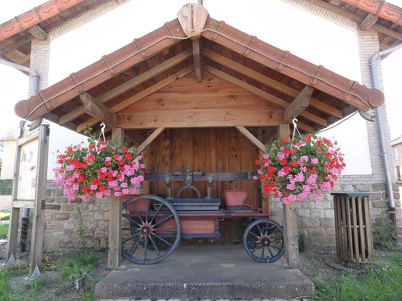 Fenneviller (M-et-M) chariot sous couvert