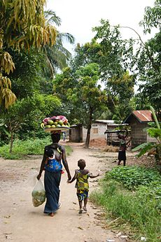 Flickr - stringer bel - Woman and child in Mile 91, Sierra Leone.jpg