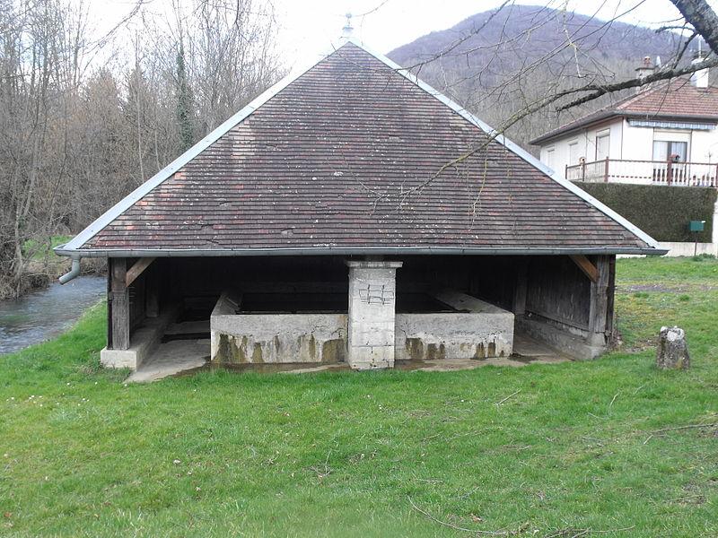 Fontaine lavoir d'Hyèvre Paroisse, Doubs, France