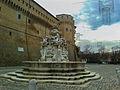Fontana Masini e Piazza del Popolo.jpg