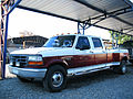 Ford F-350 XL Super Crew Dual 1997 (14177534291).jpg