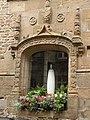 Fougères - Hôtel de ville fenêtre.jpg