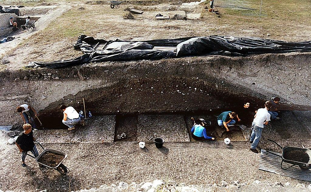Fouilles des remparts de la ville portuaire gallo-romaine de Novioregum