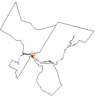 Fredericton South (electoral district) - The riding of Fredericton South in relation to other Fredericton electoral districts. The riding is red, other parts of the city of Fredericton are gold.