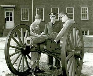 Canon de 4 de Vallière - US Army personnel with a de Vallière 4-pounder in the 60s.