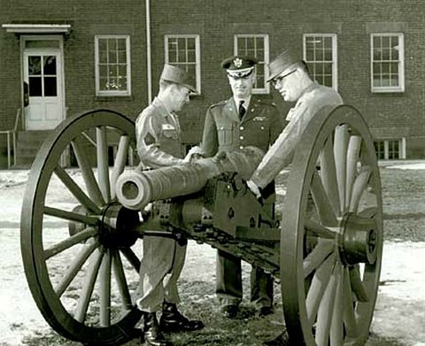 A French de Valliere 4-pounder barrel from the American Revolutionary War rests on an American Civil War gun carriage. French 4pdr 60s.jpg