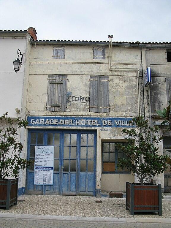 File garage de l 39 h tel de ville tonnay charente jpg - Piscine de tonnay charente ...