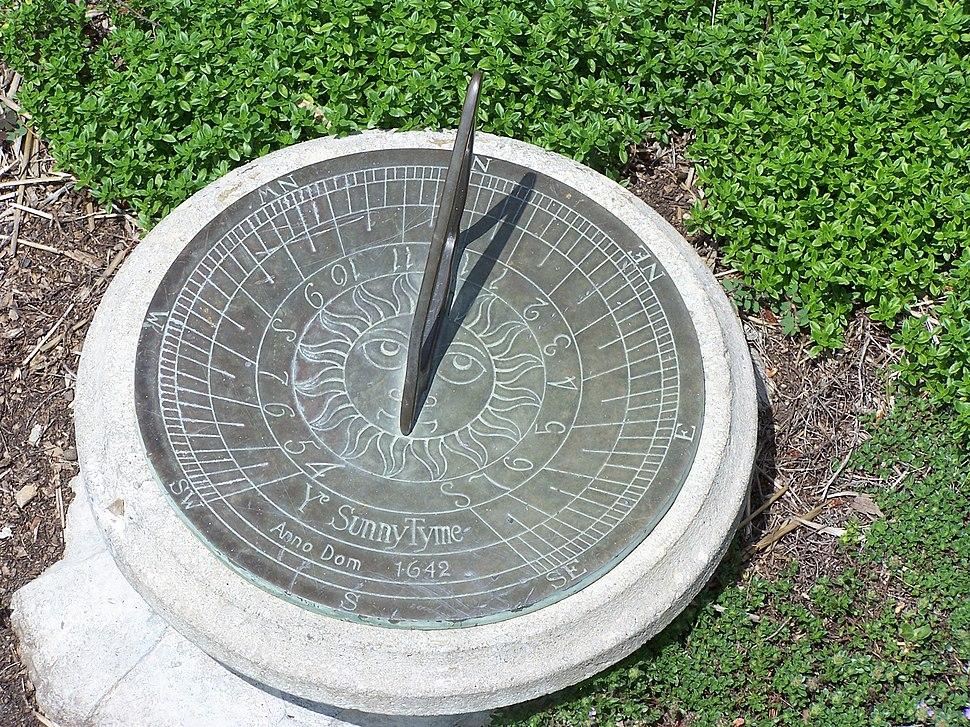 Garden sundial MN 2007