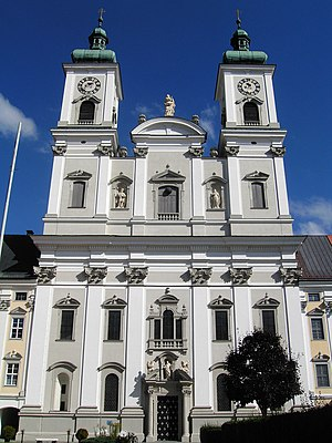 Garsten - Image: Garsten Ehem.Klosterkirche Am Platzl (01)