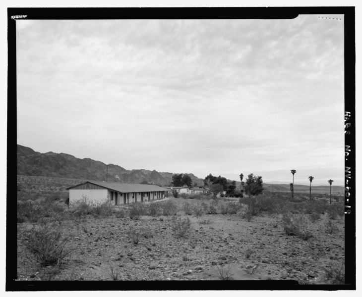File:General view of complex showing environmental setting and relationship of buildings to each other, view looking northwest, view 1 - Lake Mead Lodge, 322 Lakeshore Road, Boulder City, HABS NV-60-19.tif