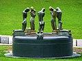 Gent – Ostflandern – Bronze und Marmor - die knieenden Jünglinge – De Fontein de knielden - panoramio.jpg