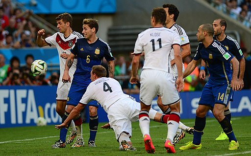 Germany and Argentina face off in the final of the World Cup 2014 06