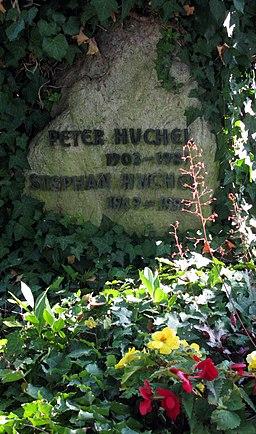 Grab von Peter Huchel auf dem Staufener Friedhof